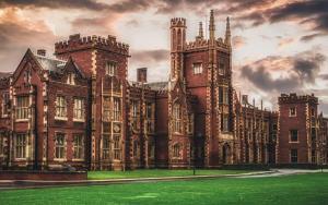 Queens University image